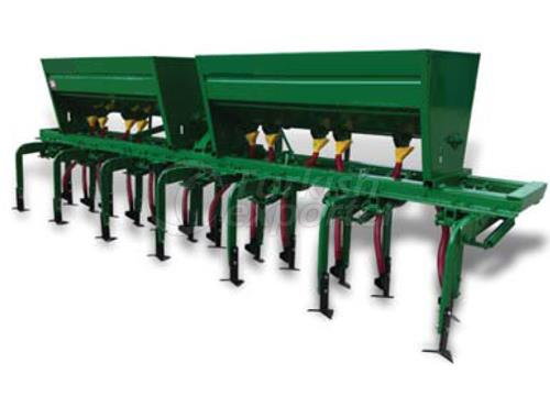 Hoeing Machine With Fertilizer 7 Row