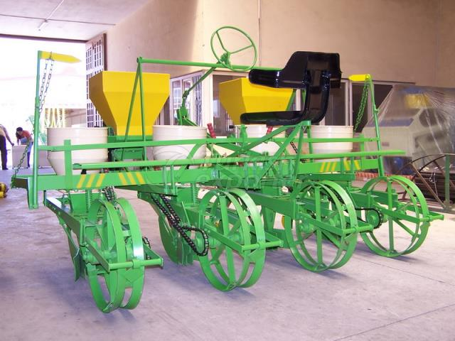 Four Lines Sowing Machine
