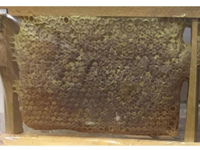 Karakovan (Black Hive) Honeycomb