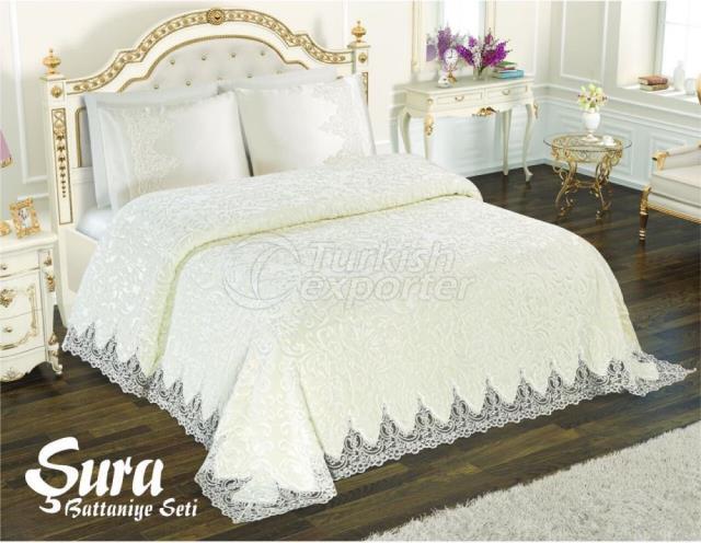 Sura Blanket Set