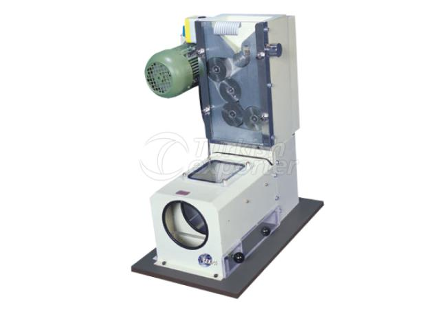 Laboratory roller mill