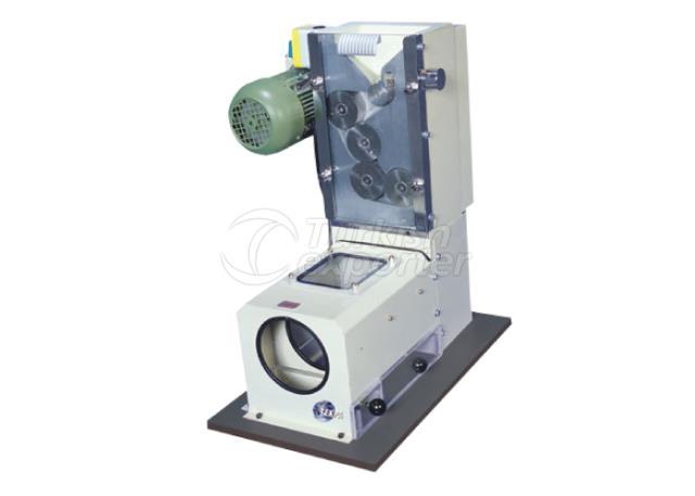 Laboratory roller mill