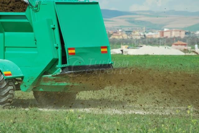 Fertilizer Spreader Trailers