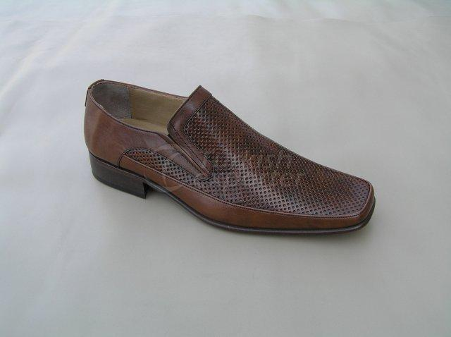 Men Shoe Summer Season Stout Leather Base Elastic Neck Perforated Pattern
