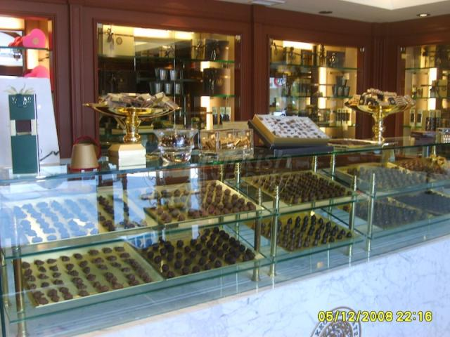 Special Design Pastry Cabinets