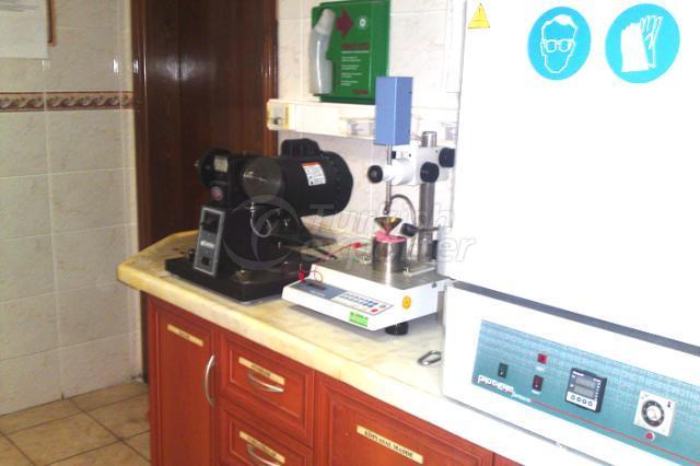 Mineral Oil Laboratory