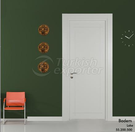 Wooden Door Badem