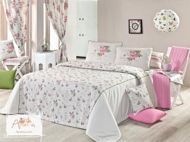 Pink butterfly bed linen