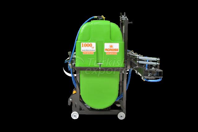 1000 Lt Field Sprayer with windlass